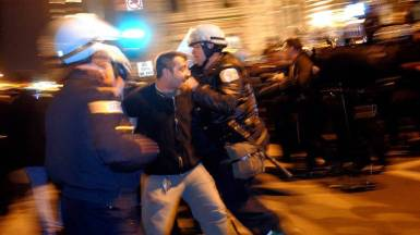 chi-protest09custody20120209100507